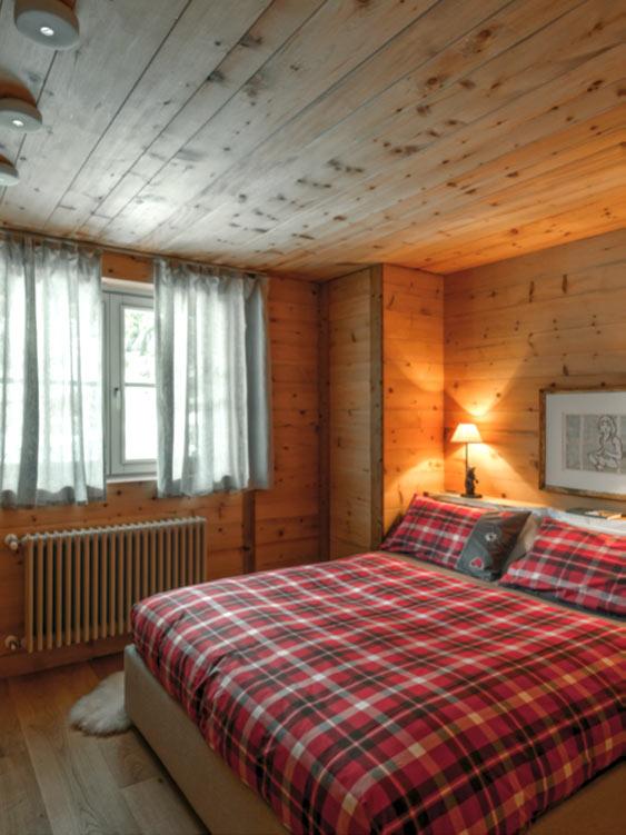 Mobili e rivestimenti in legno di cirmolo e legno vecchio - Mobili legno vecchio ...